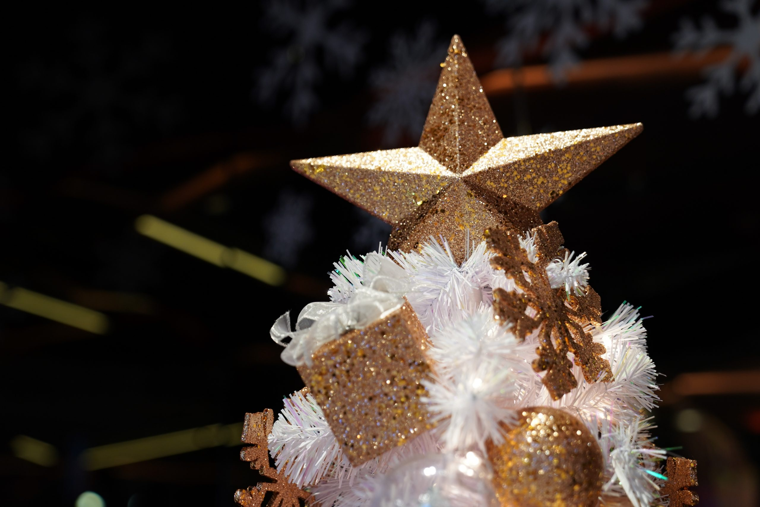 christmas gold theme decoration with bow and gift box.